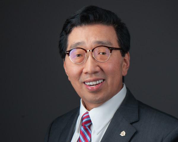 Dr. Charles Cho